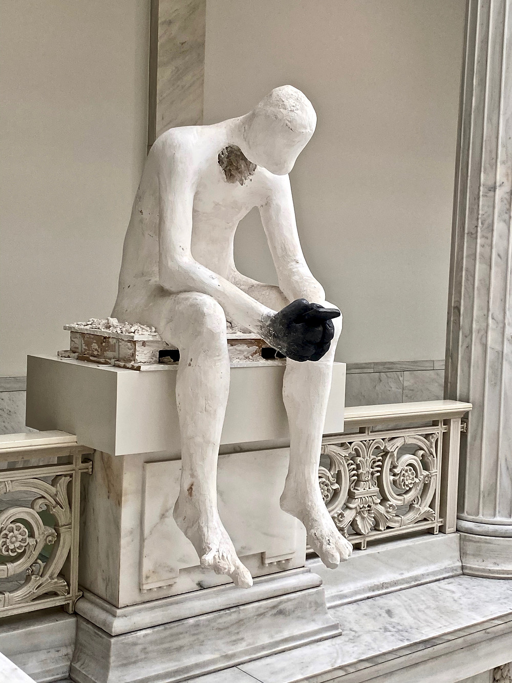 Nicole Eisenman, Prince of Swords, 2013 -- a lone contemporary sculpture in the Hall of Sculpture
