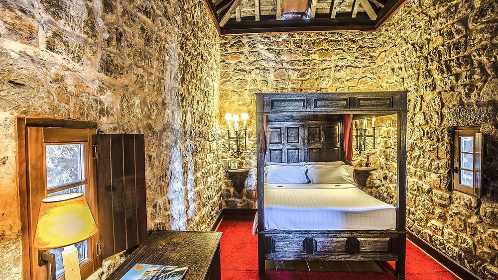 a period room at Óbidos Castle