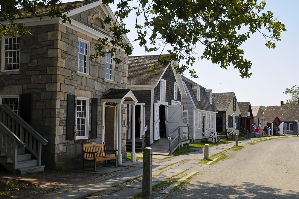 beautiful row of houses in Mystic Connecticut