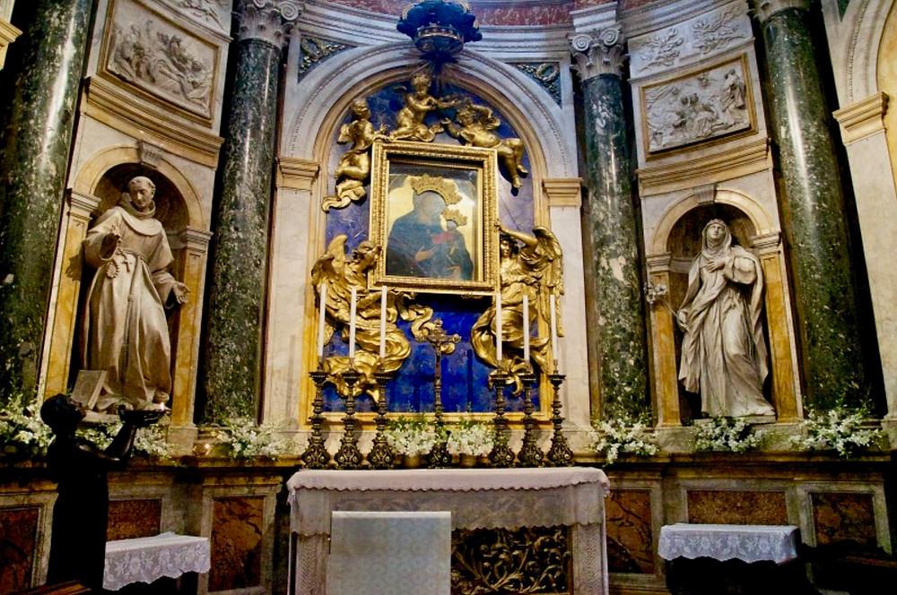 the Chigi Chapel with the Madonna del Voto in the center