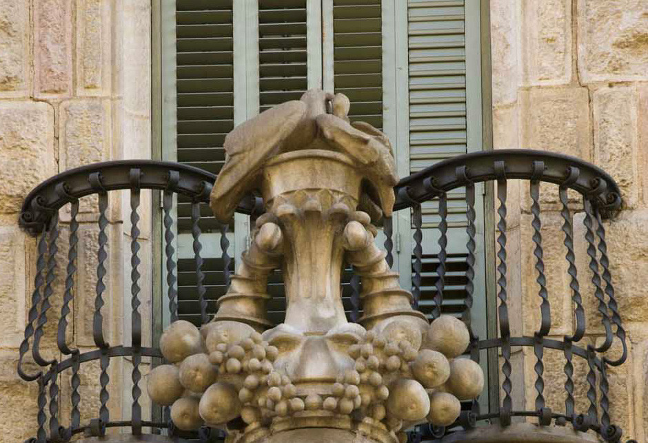 balcony on the rear facade of Casa Calvet