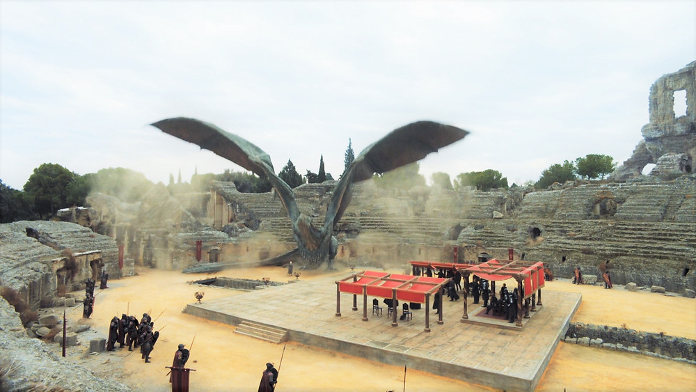the ill-fated peace meeting between Daenerys and Cersei in the dragon pit