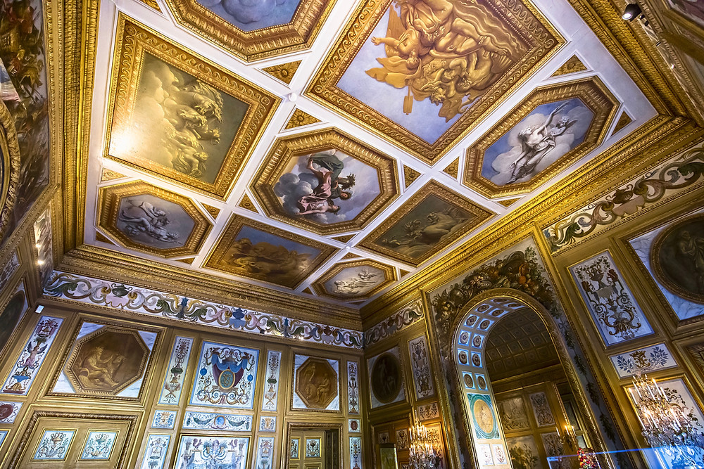 gold paneled walls of Vaux-le-Victomte