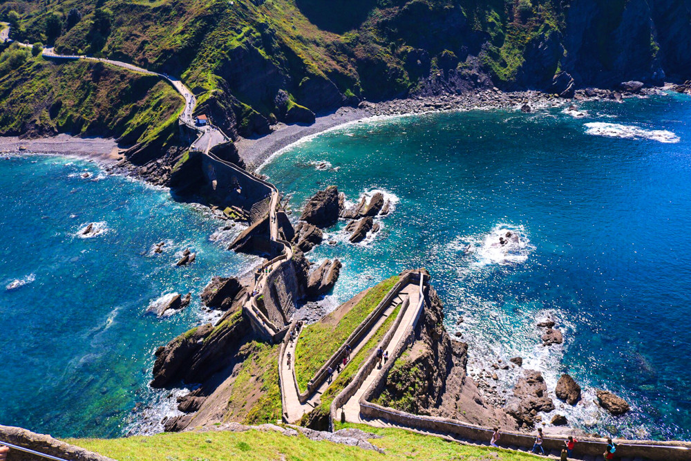 the ancient bridge at San Juan de Gaztelugatxe
