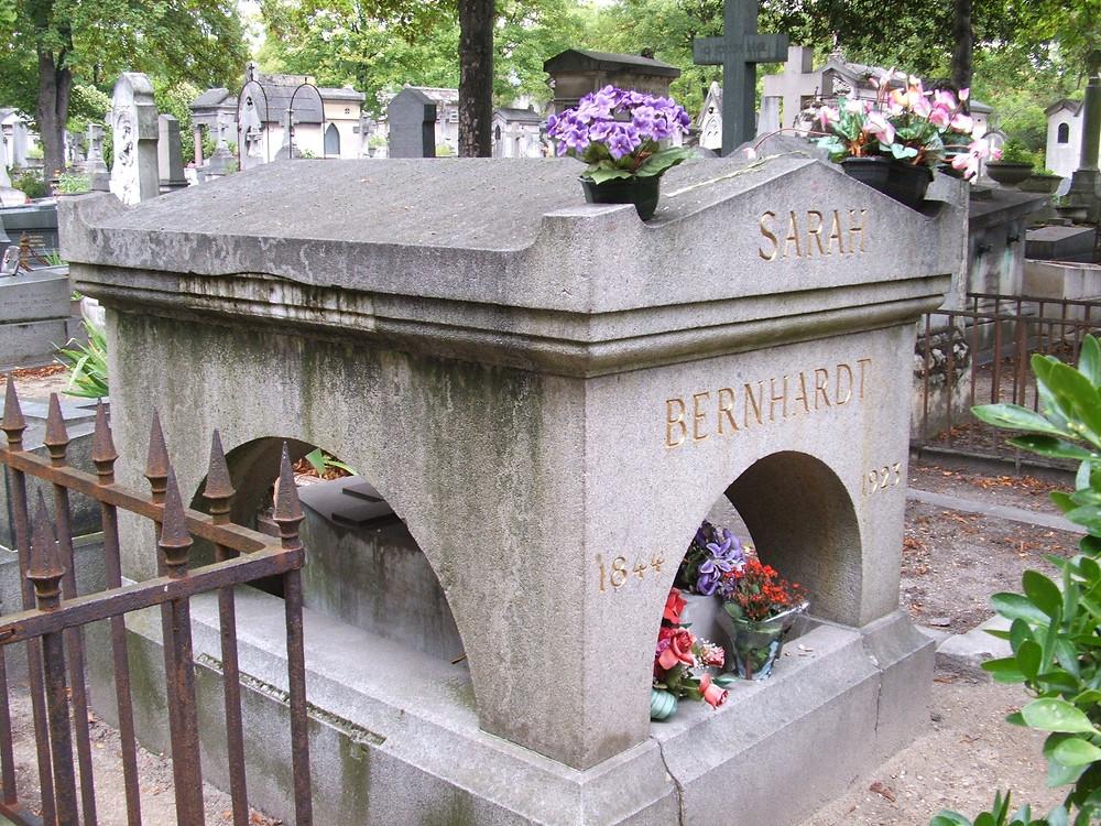 Sara Bernhardt's grave
