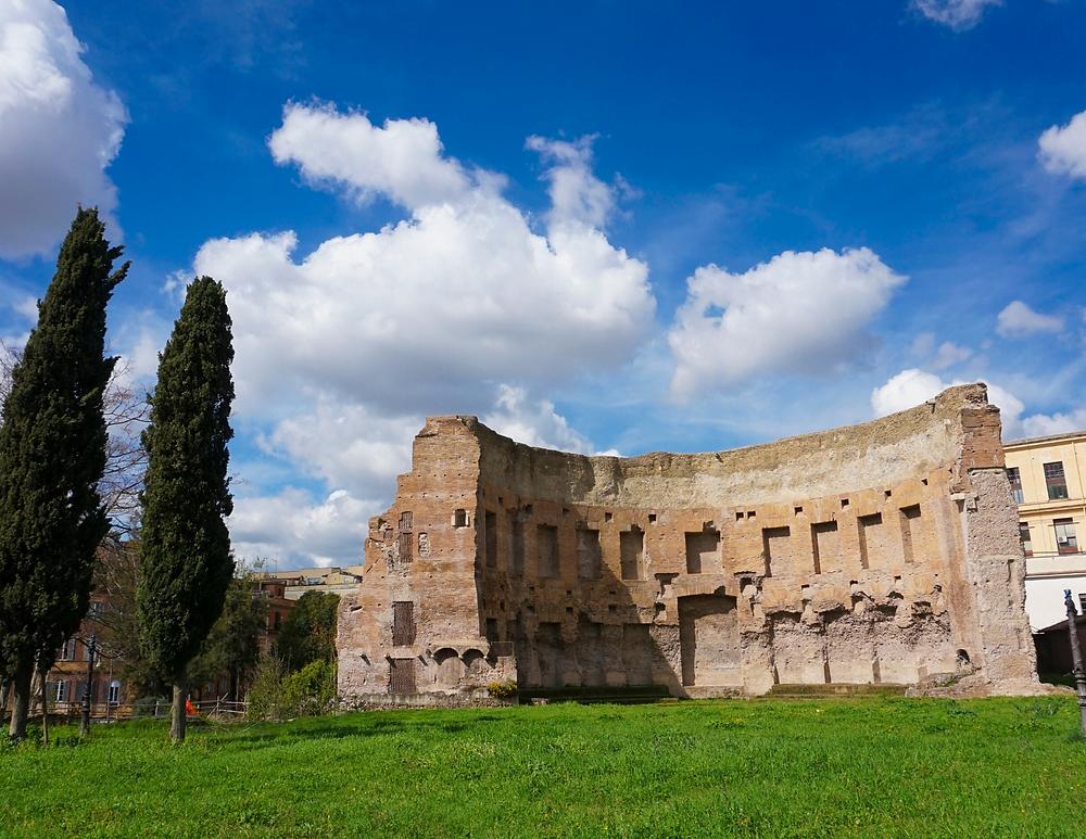 ruins of Domus Aurea