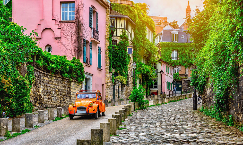 beautiful Montmartre, La Maison Rose is the pink house on the right
