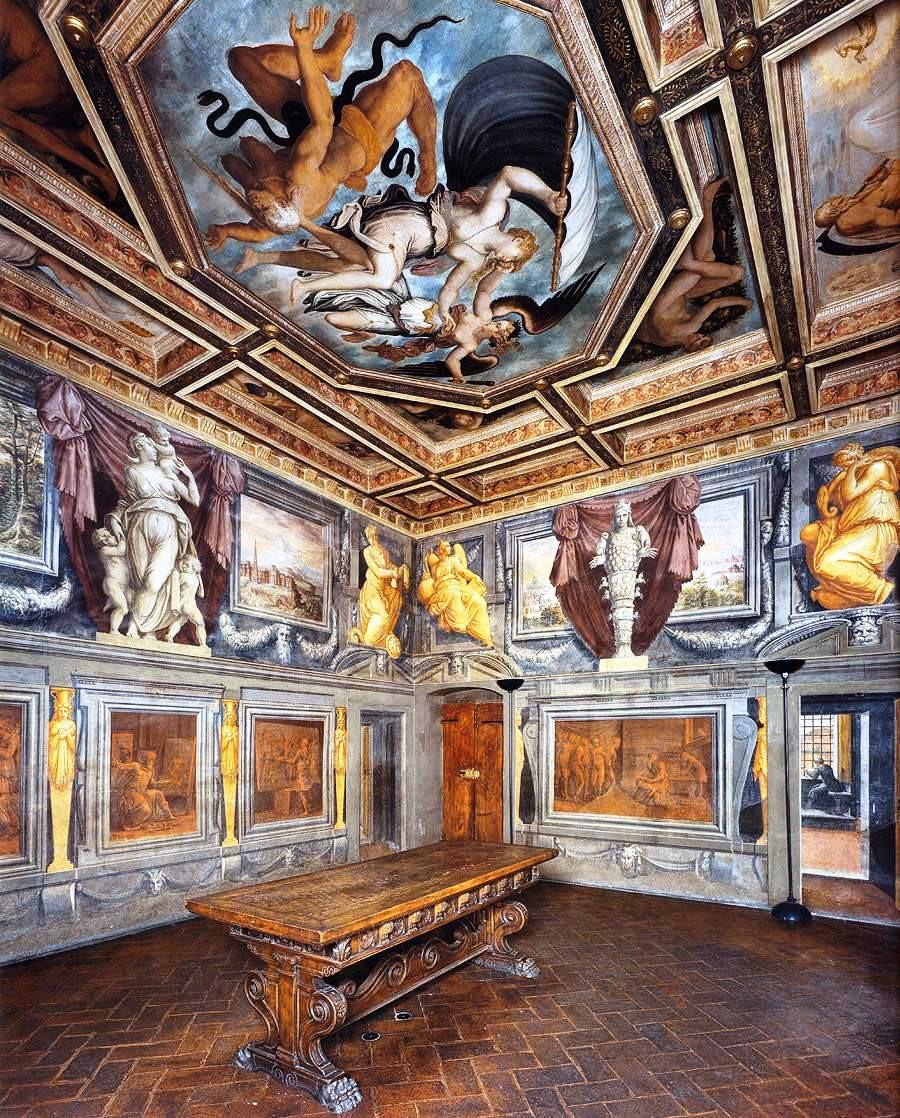 frescos in the House of Giorgio Vasari