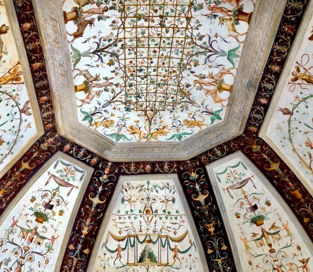 beautiful grotesque frescos in the Apartment of the Secret Garden
