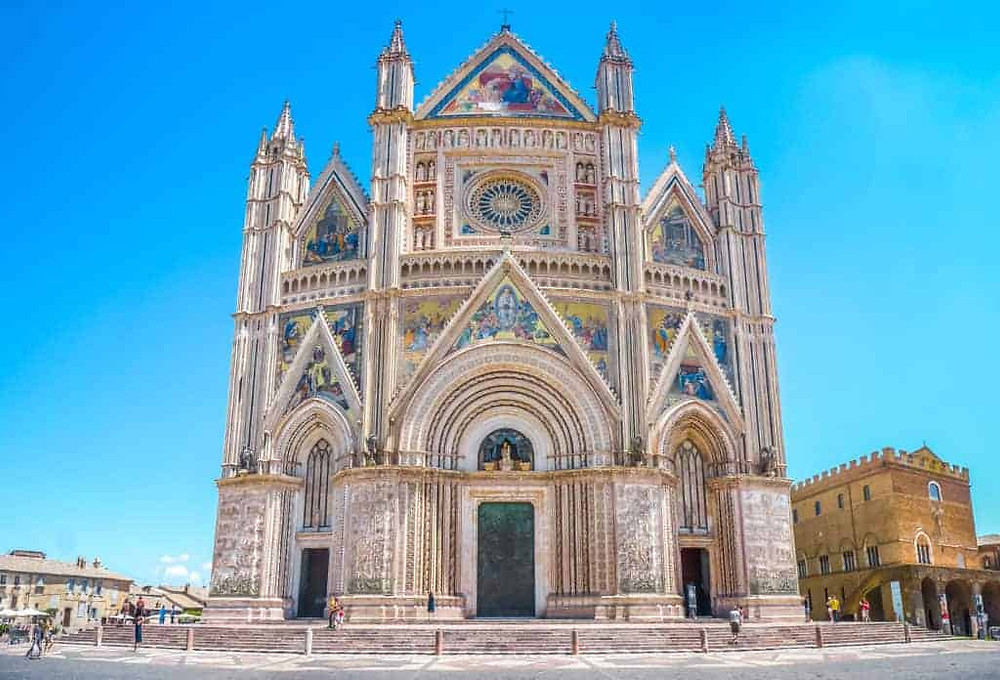 the beautiful facade of Orvieto Cathedral