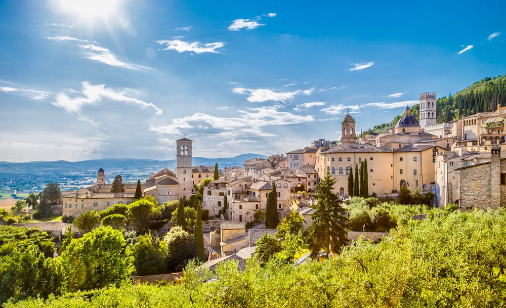 the saintly town of Assisi, with its famous basilica