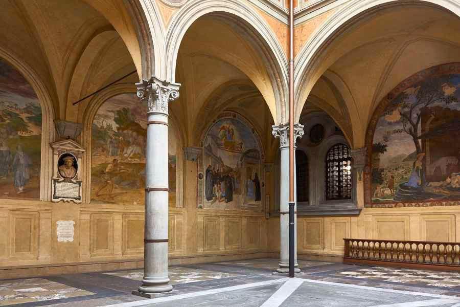 Votive Cloister in Santtissima Annunziata