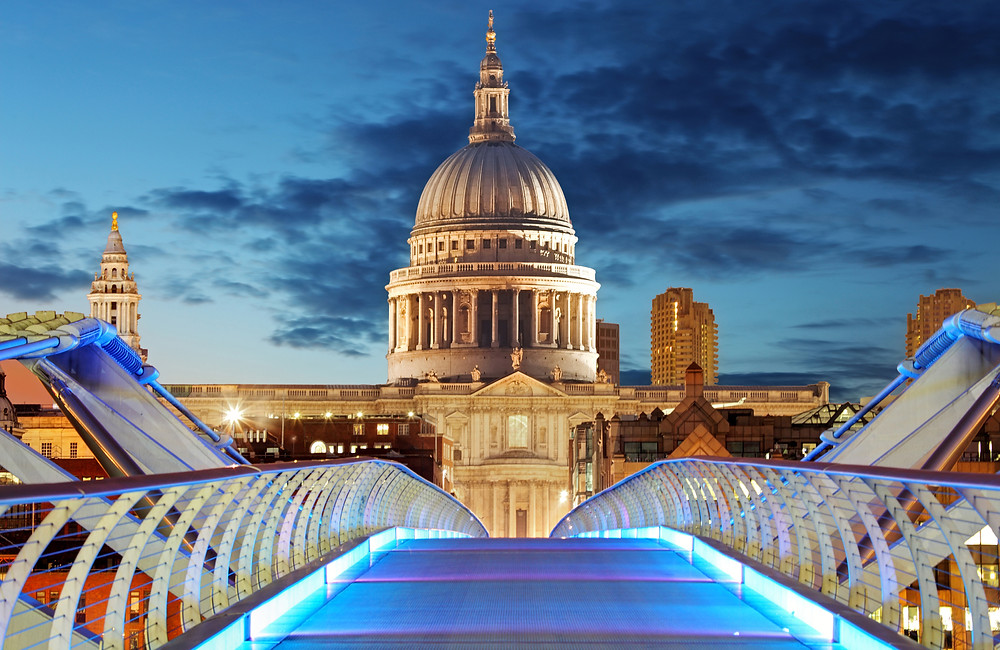 the Millennium Bridge leads to St. Paul's Cathedral