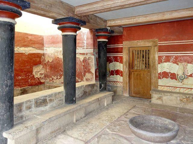 "the Knossos ""throne room"" Image via Olaf Tausch, CC-BY-3.0"