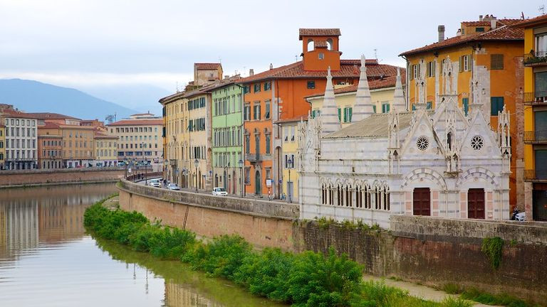 Santa Maria Spina Church in Pisa onto Arno River