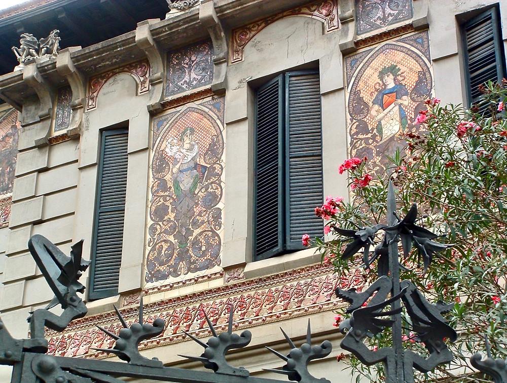 facade of Palau Montaner