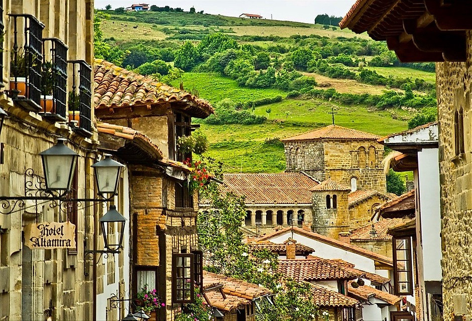 the medieval town of Santillana del Mar in Cantabria