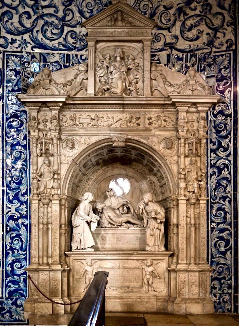 interior of the Igreja de Santa Maria