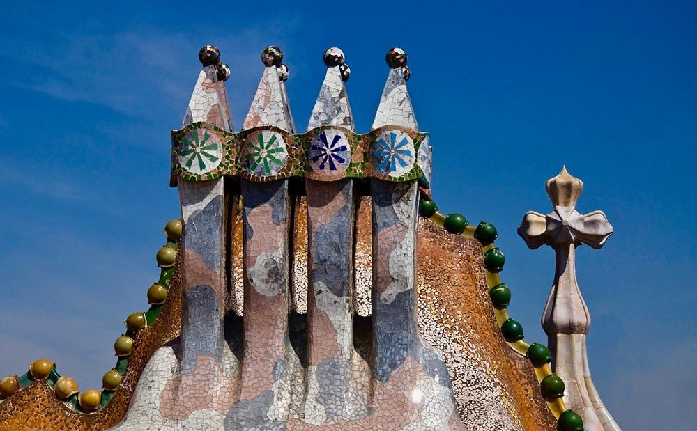 chimneys on the rooftop of Casa Batlló