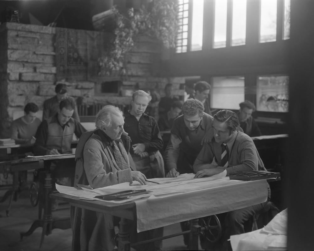 Wright with students at Taliesin East. Image source: Chicago History Museum