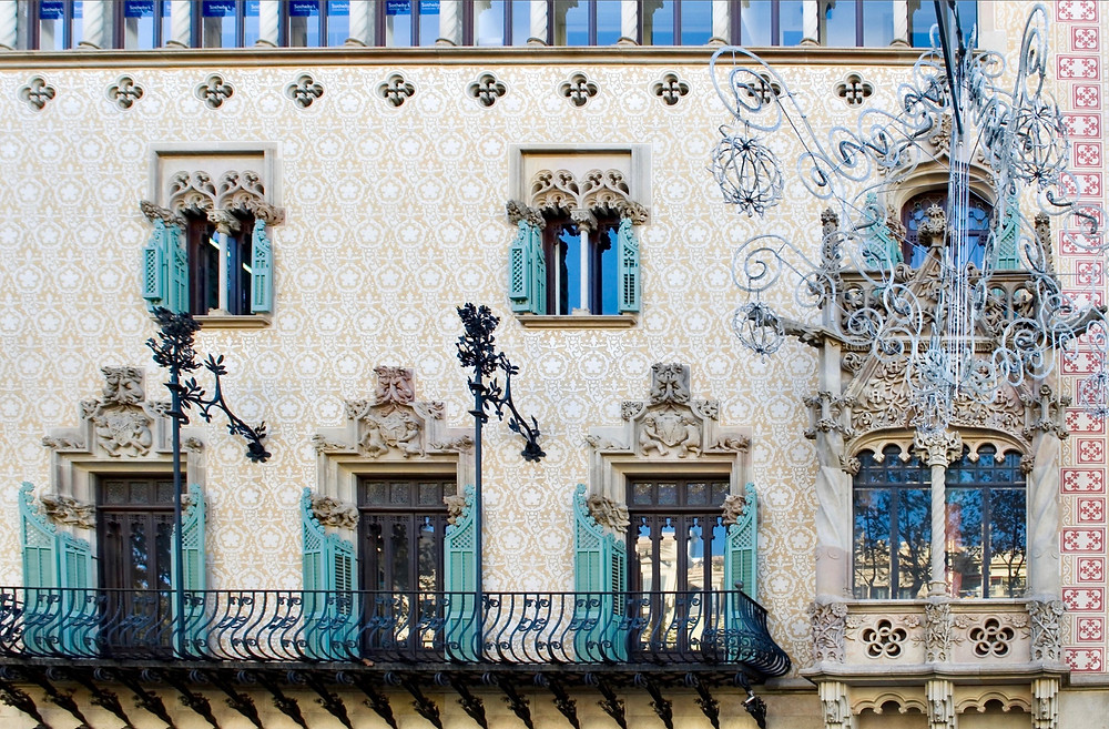 the beautiful facade of Casa Amatller