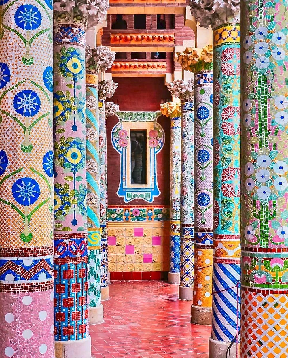 mosaic columns of Palau de la Musica