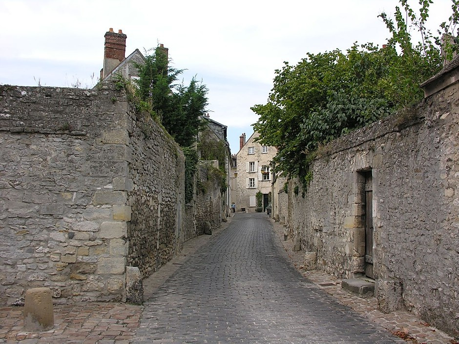 Rue aux Flageards in the medieval village of Senlis outside Paris