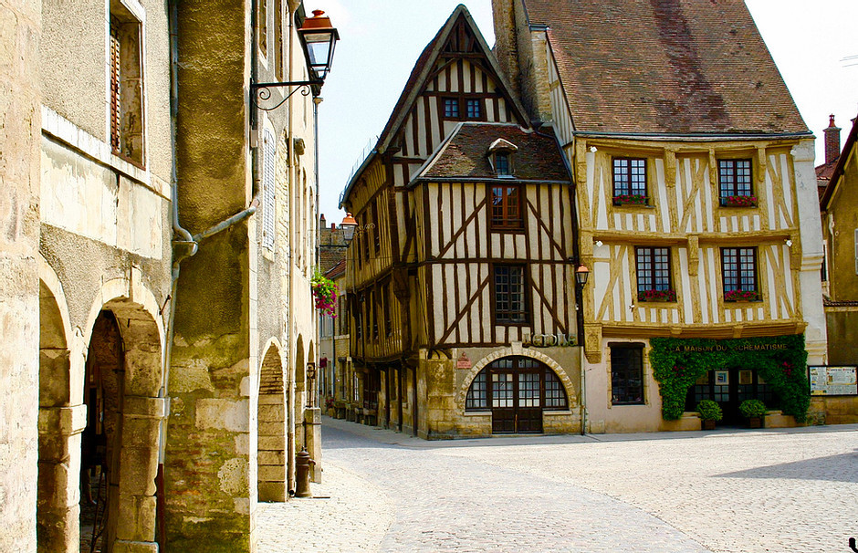 half timbers in Troyes