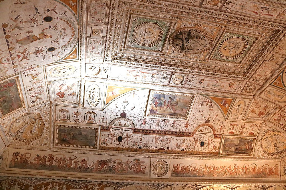vaulted ceiling of the library of Castle Sant'Angelo