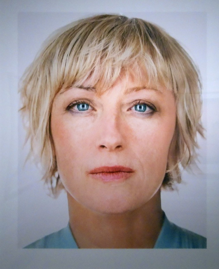 Cindy Sherman, photographed by  Martin Schoeller, 2000