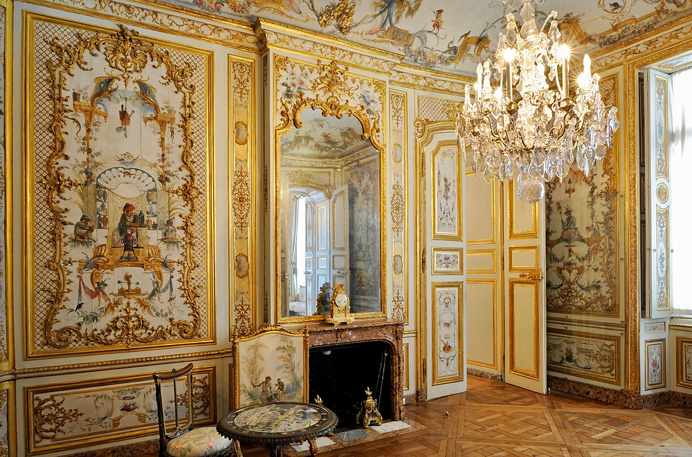 apartments in the Chateau Chantilly