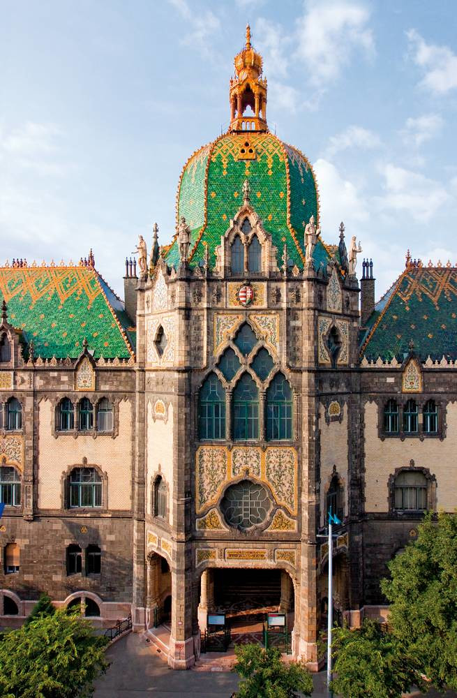 the Lechner-designed Museum of Applied Arts in Budapest