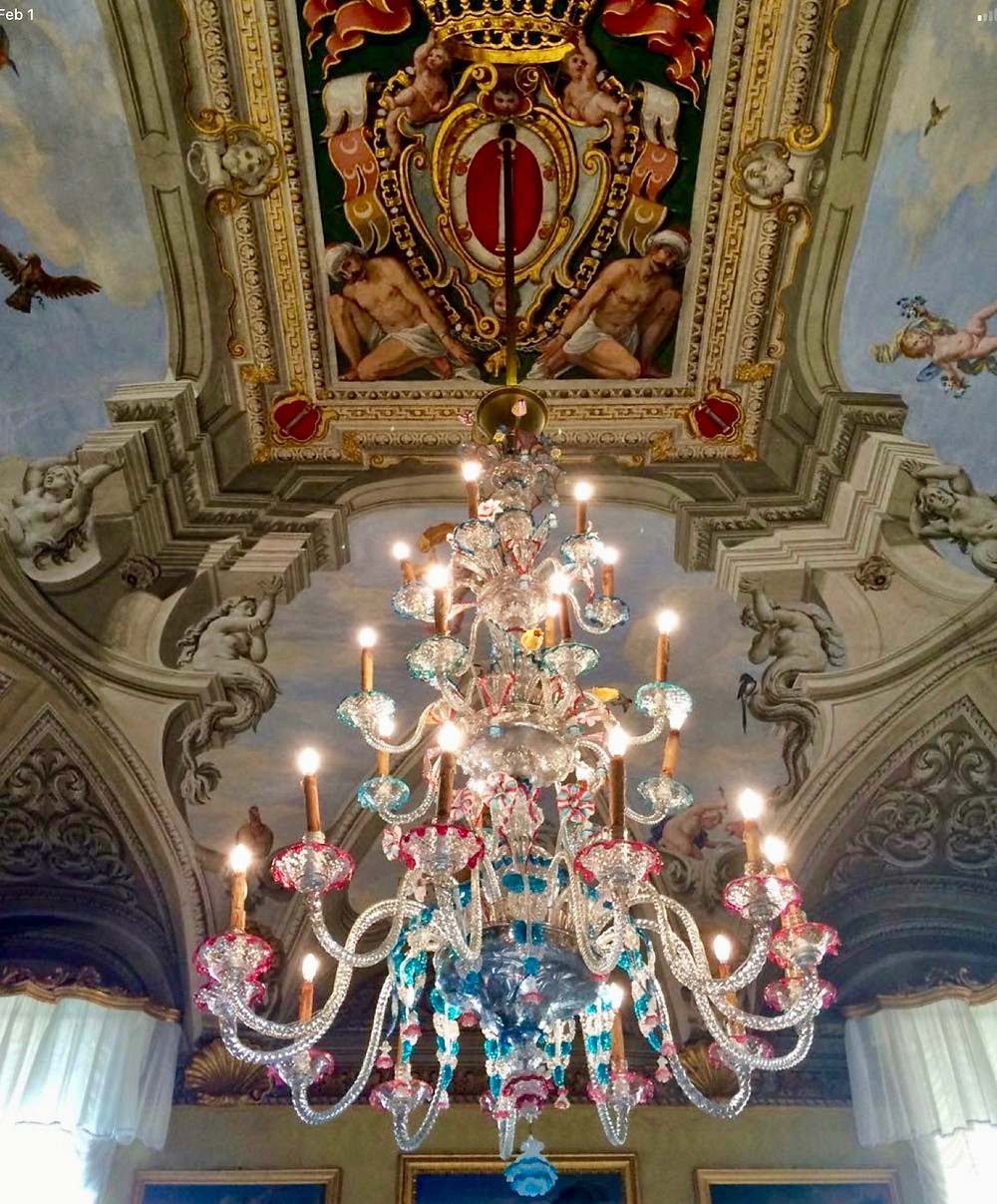 Murano chandelier in the Great Hall