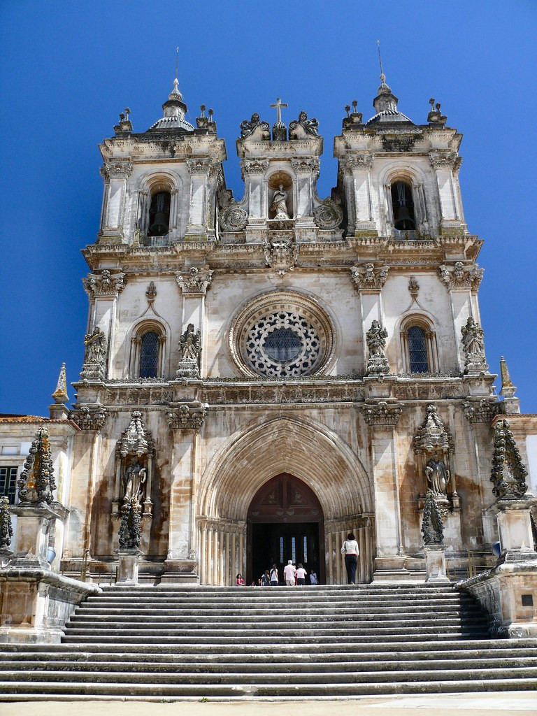 the Baroque facade of Alcobaça Monastery
