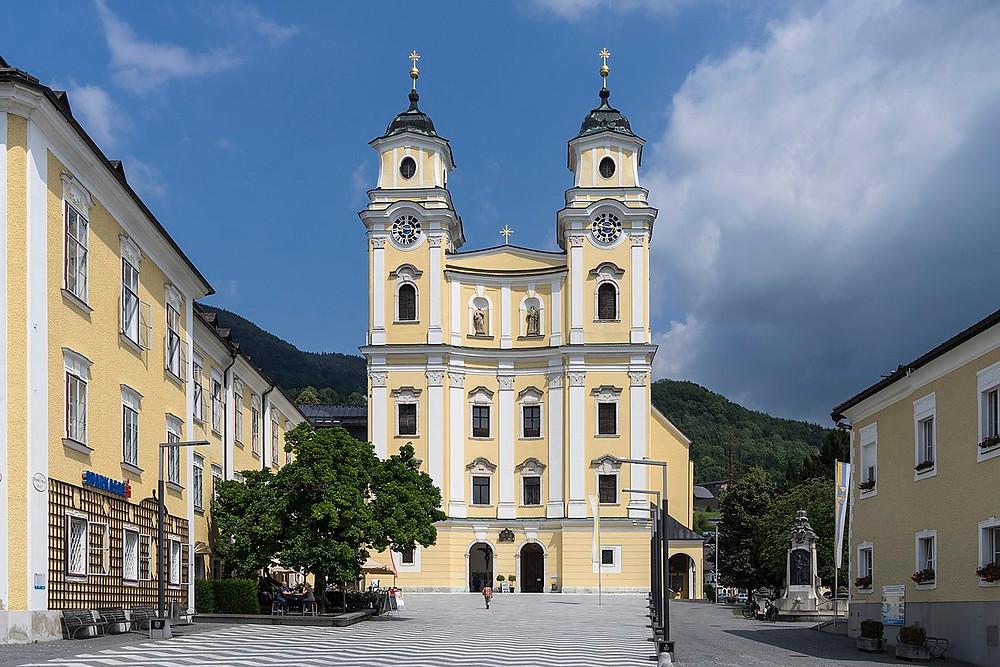 Mondsee Abbey, -- the Basilica St. Michael