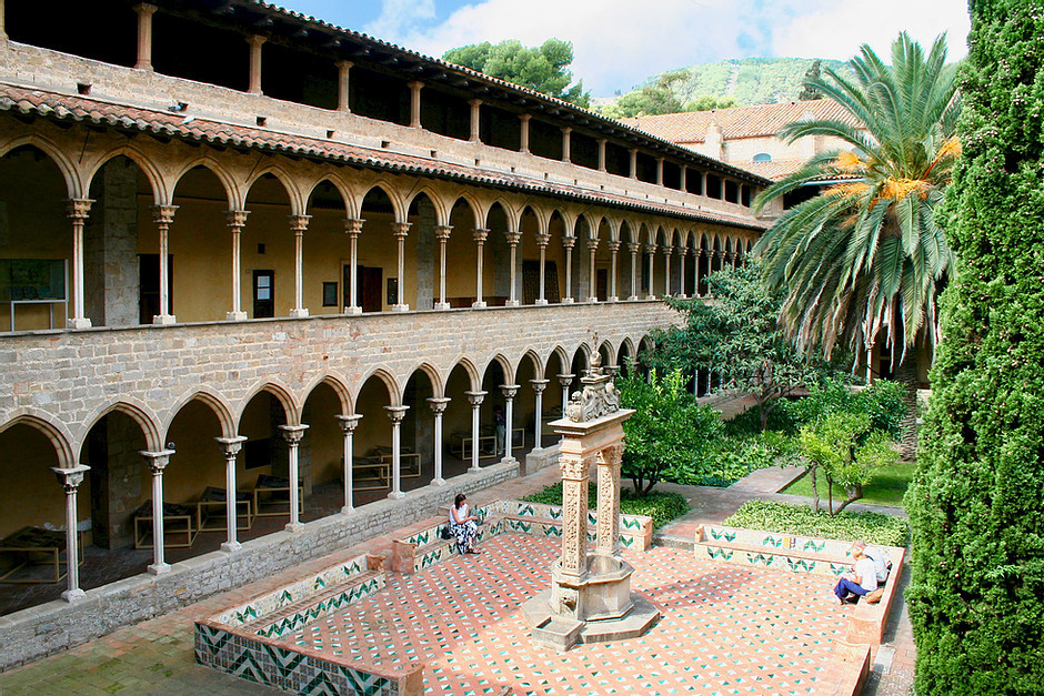 courtyard of Pedralbes Monastery