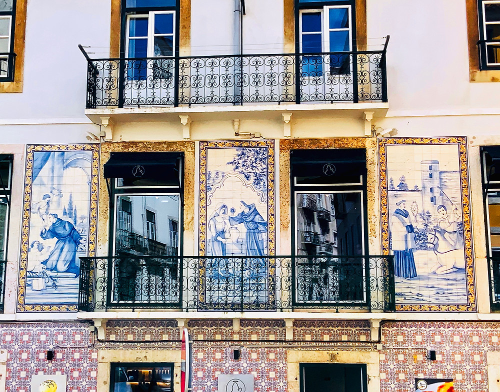 a beautiful azulejo clad building that I saw in Alfama on my walk down from the fake castle