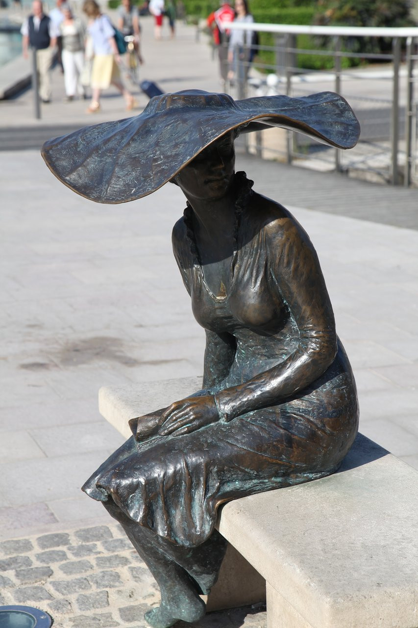 "The ""Lili"" statue in Troyes France"