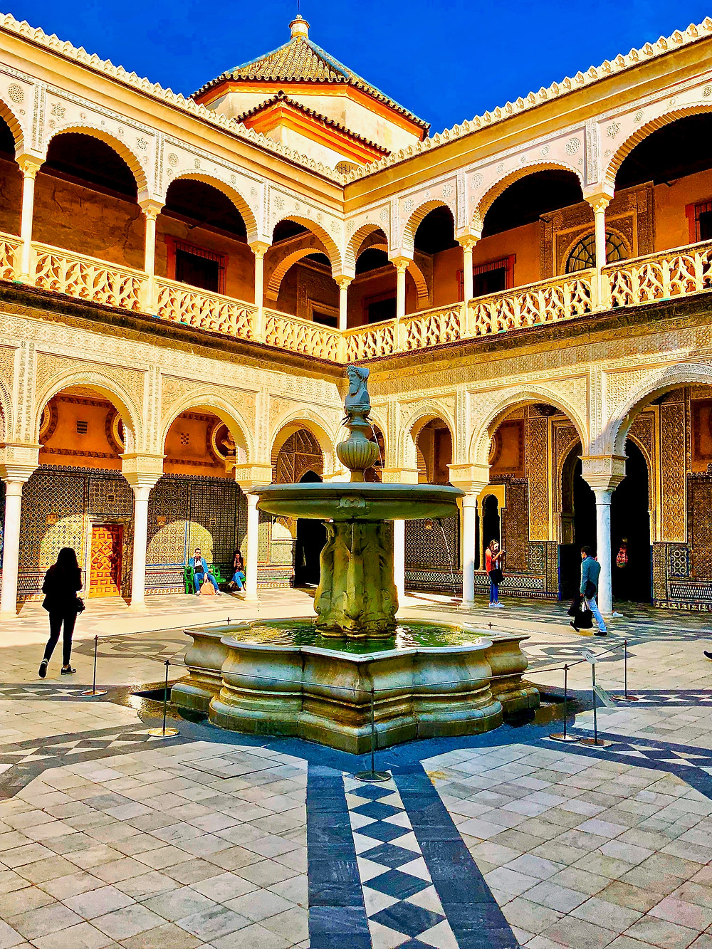 the Genoan fountain in the courtyard of the Casa de Pilatos