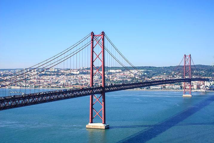 Pilar 7 Bridge in Lisbon