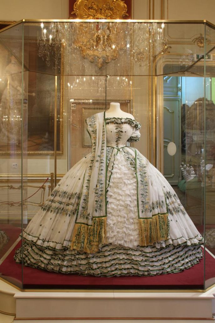 the dress Sisi wore at the ball given on the eve of her departure for her wedding