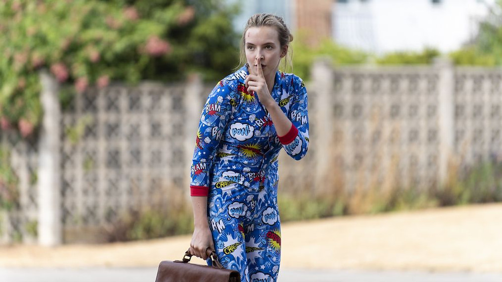 Villanelle kills her hospital roommate and escapes in his pajama onesie