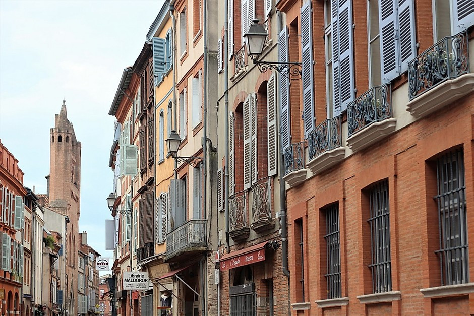 the beautiful Rue de Taur in Toulouse