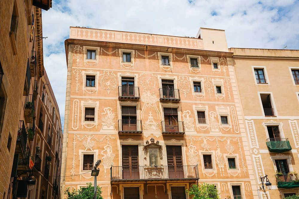 ornate facade in the Placa del Pi