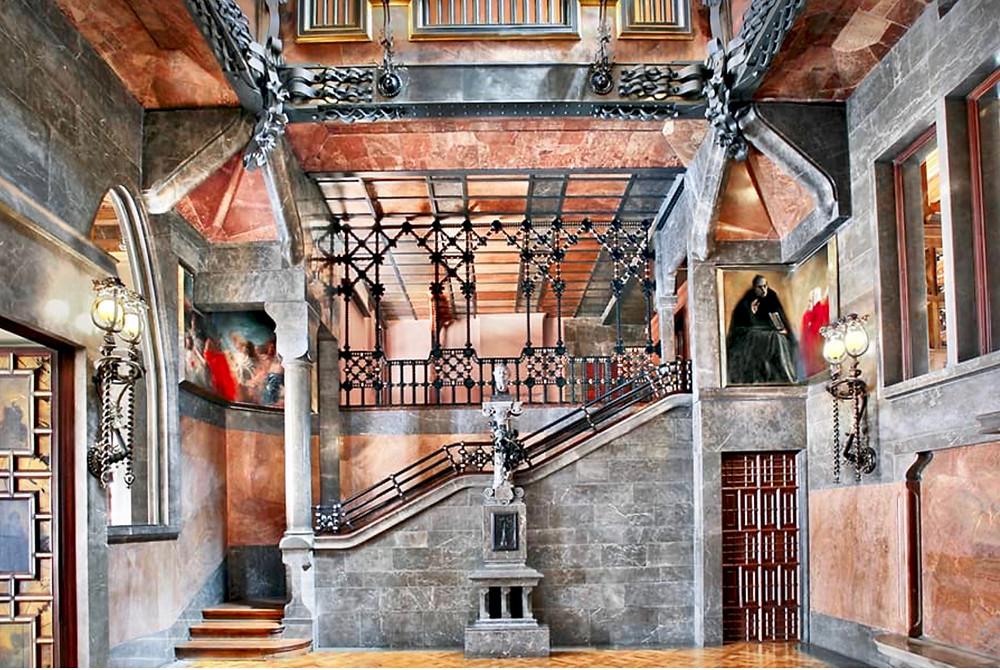 atrium on the main floor of Palau Guell