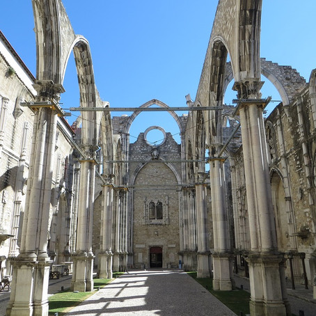 Guide To Carmo Convent, Lisbon's Open Air Memorial
