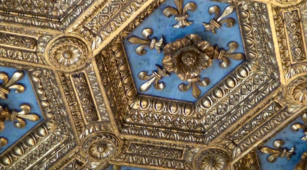 close up of coffered ceiling in the Hall of Lilies