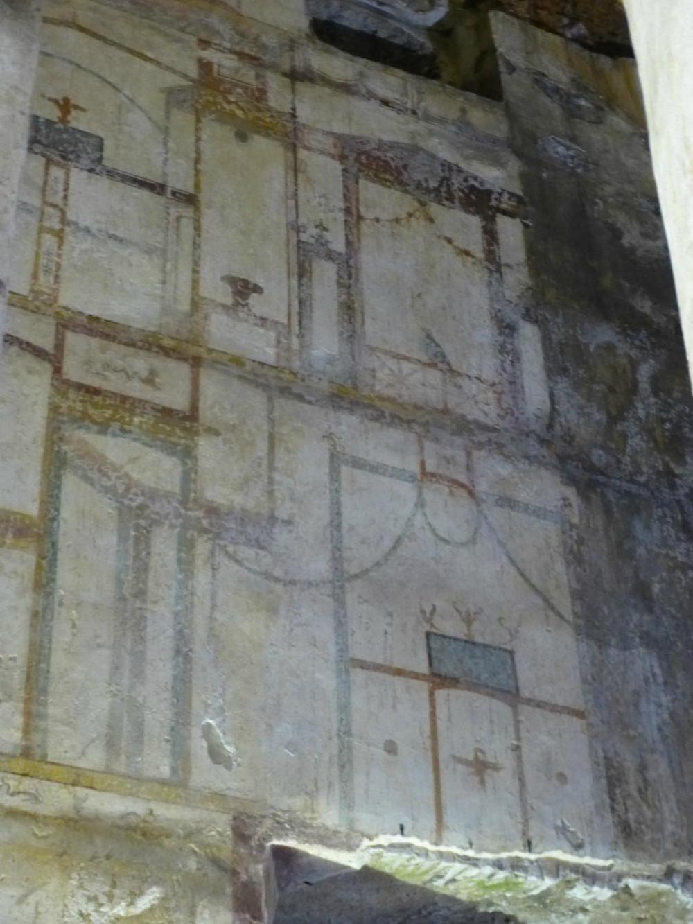 grotesque frescos in Domus Aurea