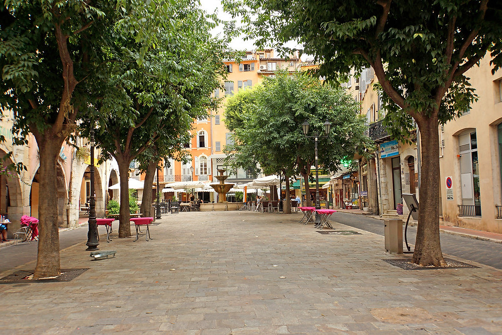 Place aux Aires in Grasse France