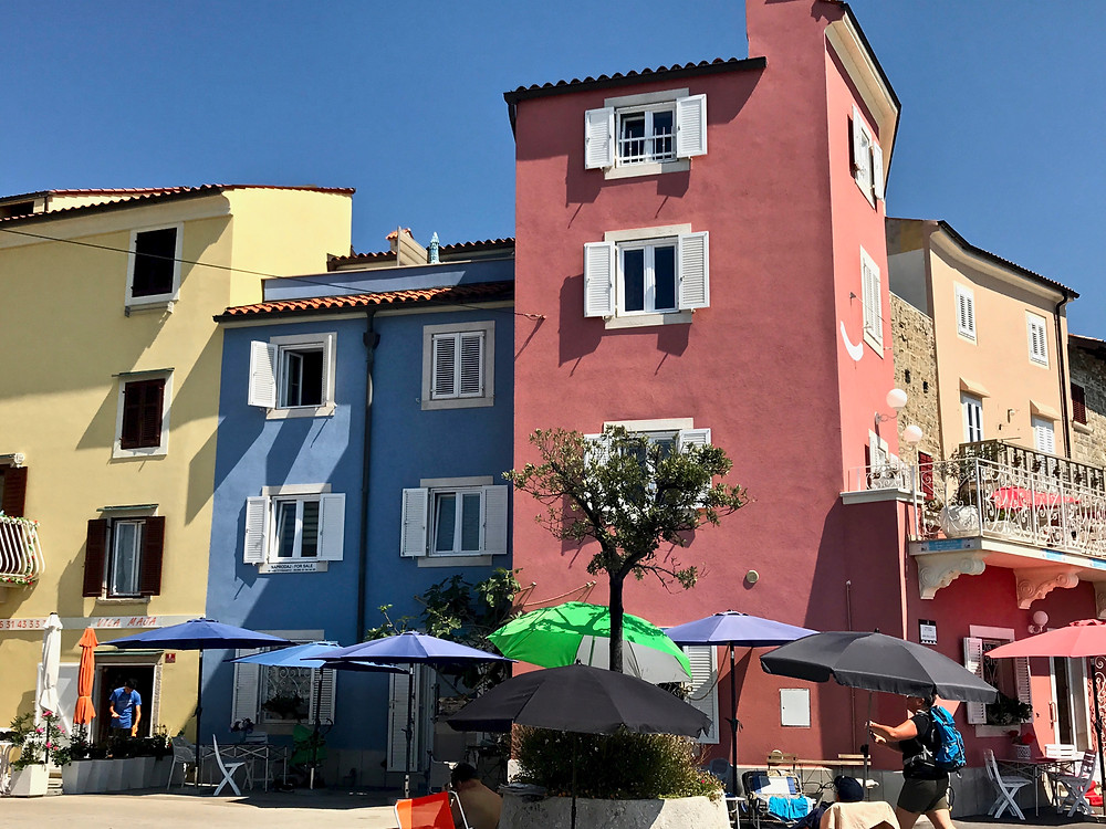 more pretty pastel houses in Piran